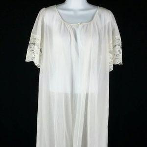 Vintage 70s pale pink chiffon robe